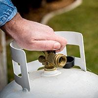 Closing propane tank valve