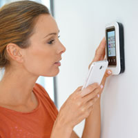 What temperature setting is best for my home thermostat?